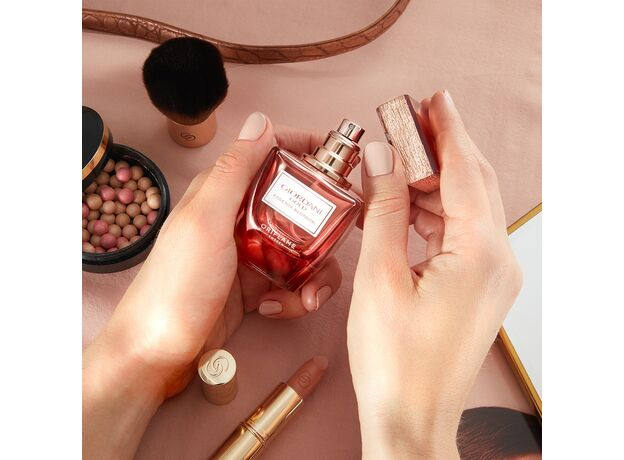 Giordani Gold Essenza Blossom perfume 04