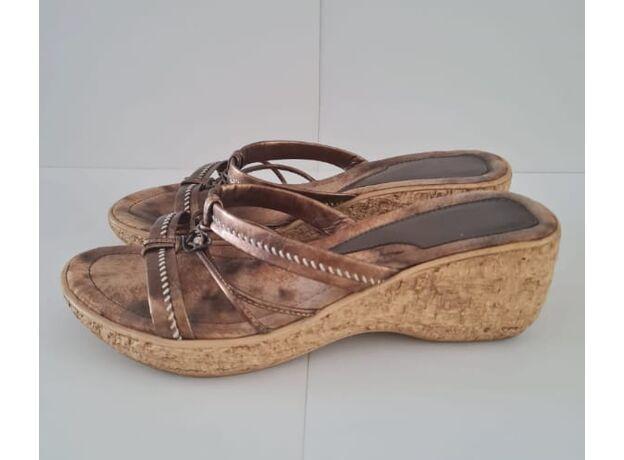 Comfortable women's sandals 01