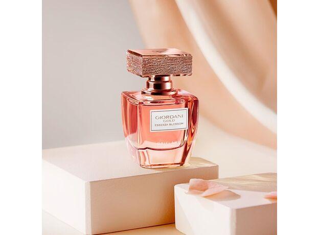 Giordani Gold Essenza Blossom perfume 10