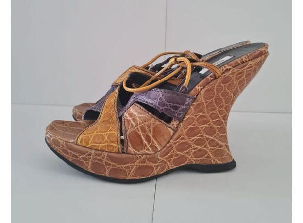 Women's shoes PRADA 02