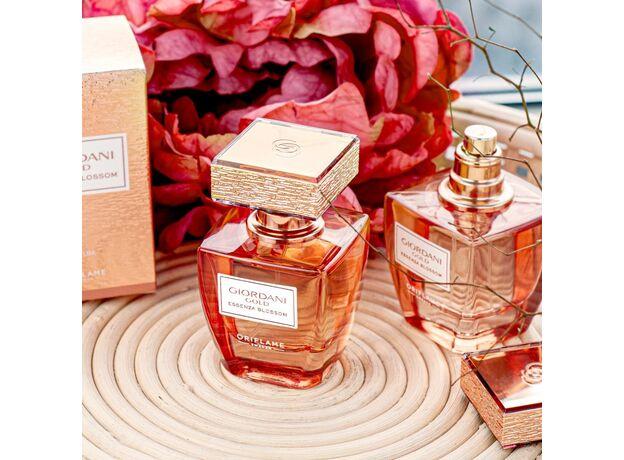 Giordani Gold Essenza Blossom perfume 12
