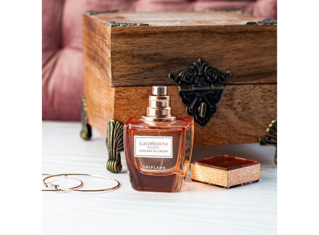 Giordani Gold Essenza Blossom perfume 13